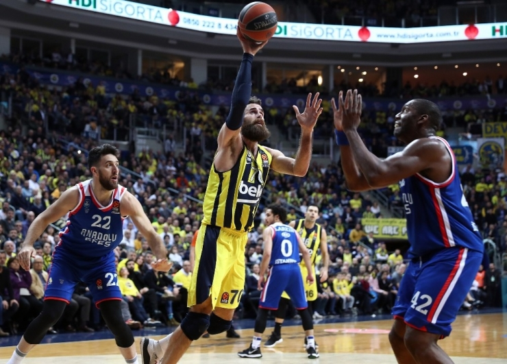 Final Four'da Türk Derbisi
